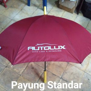 Payung standar merah marun